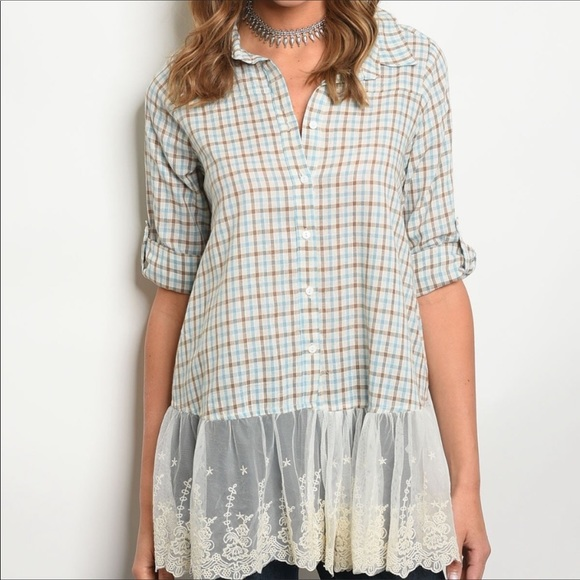Hayden Los Angeles Tops - NEW! 3 FOR $40 • Checked Button Down w/Lace Trim